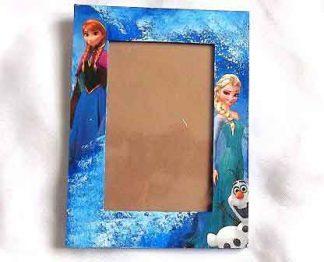 Rama cu printesele din Frozen, rama foto lemn 32189