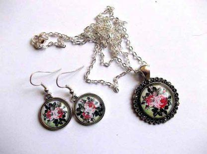 Set bijuterie cu trandafiri rosii, set cercei si pandantiv 32495
