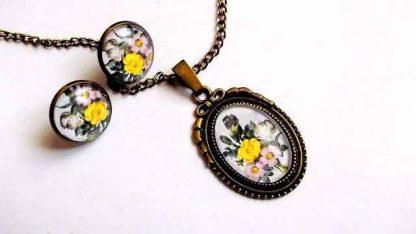 Set cu flori roz si flori galbene, set cercei si colier cu pandantiv 32046