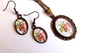 Set cu flori roz si galbene, set cercei si colier cu pandantiv 32054