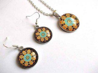 Set model floral stilizat, set pandantiv si cercei mandala 32609
