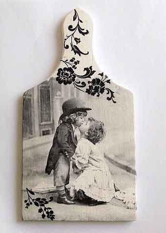 Tablou cu baiat si fata care se pupa, tablou lemn alb negru 32488