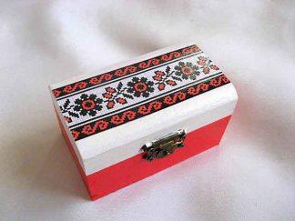 Cutie cu motiv traditional flori stilizate rosu si negru, cutie lemn 27886