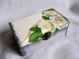 Cutie cu trandafiri albi, cutie lemn dreptunghiulara 25381