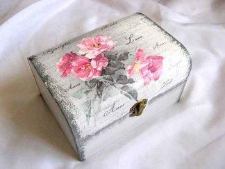 Cutie cu trandafiri roz si scris dragoste in mai multe limbi, cutie lemn 26061