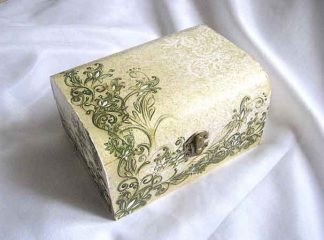 Cutie gen cufar cu elemente decorative galben cu negru, cutie lemn 26662