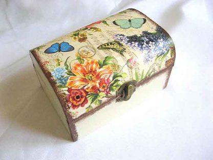 Cutie gen cufar cu model floral si fluturi, cutie de lemn 26803 poza a 2a