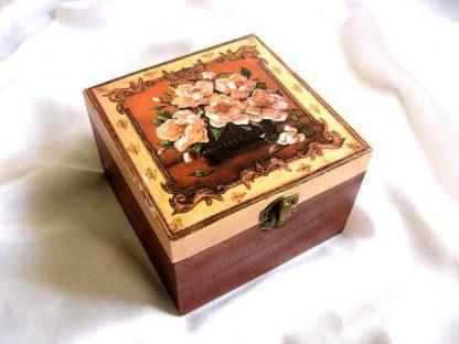 Cutie patrata cu trandafiri roz, cutie de lemn bijuterii 26375