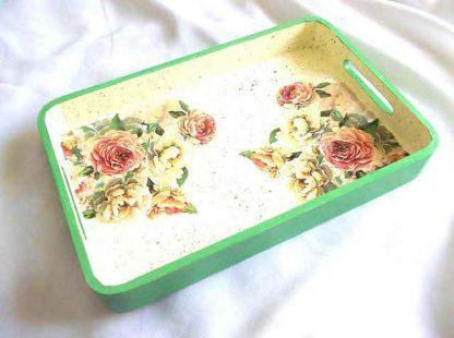 Tava model floral, taval lemn cu trandafiri galbeni si roz 32966