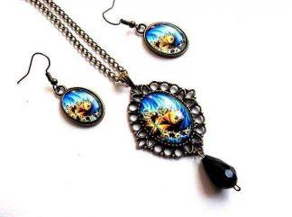 Bijuterii elemente decorative cu galben si albastru, cercei si colier cu pandantiv 33168