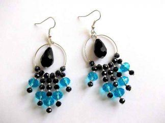 Cercei cu cristale fatetate albastru si negru, cadou ea 32479