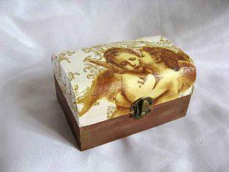 Cutie cu doi ingerasi de copii pupandu-se, cutie de lemn 23519