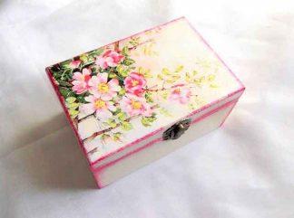Cutie cu ramuri de flori de cires ca design, cutie de lemn cadou 33129