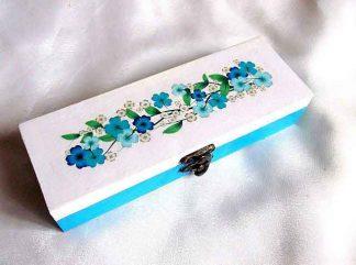 Cutie cu flori albastre, verzi si albe, cutie de lemn cu model floral 33226