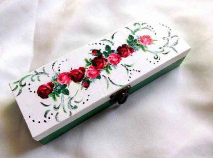 Cutie cu trandafiri rosii si trandafiri roz, cutie cadouri femei 33290