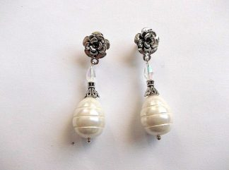Cercei perle naturale si cristale, pereche de cercei 33914.Bijuterie cadou femei. Pereche de cercei cu perle de cultura si cristale aurora boreala. Culori: alb, galben si turcoaz.