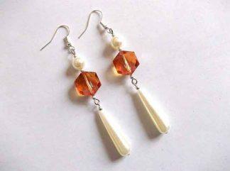 Cercei perle albe si cristale portocalii, cercei cadou 34673