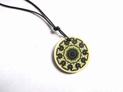 Colier cu model geometric negru pe galben, colier cu snur reglabil 34637