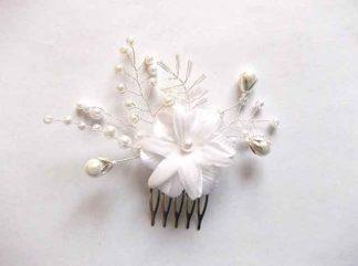 Pieptan simplu mireasa, pieptan floare si frunze model 34665 pe fundal alb