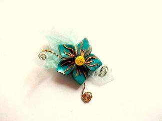 Brosa floare fimo, cadou bijuterie femeie 34690 fundal galben