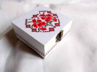 Cuti cu maci rosii si motiv traditional, cutie lemn 34775
