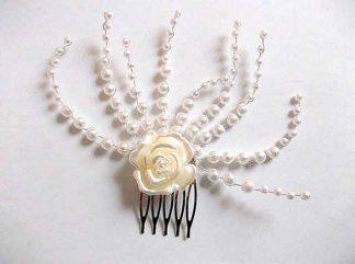 Pieptan floare artificiala mireasa, pieptan mireasa cu perle si margele sticla 34799 cu fundal alb
