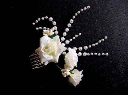 Pieptan mireasa perle si margele sticla, flori artificiale, pieptan nunta 34808 fundal fundal negru