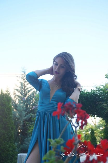 Rochie turcoaz din matase, rochie evenimente speciale - printre flori