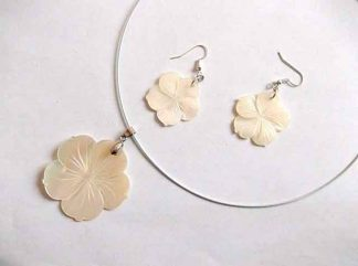 Set sidef pandantiv cu cercei, set cu model floral 34814 fundal alb