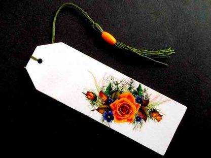 Semn carte flori verde, portocaliu si mov, semn carte lemn 35140 fundal negru