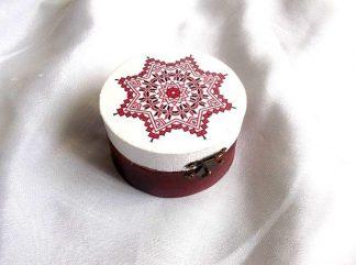 Cutie cu motiv traditional cu stea cu 8 colturi, cutie lemn 38685