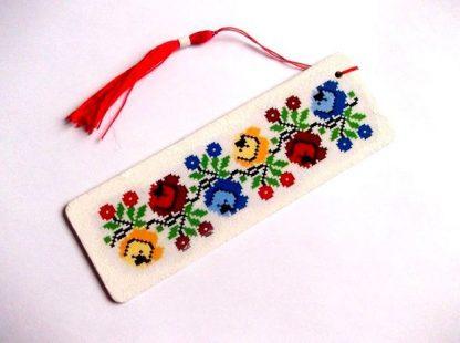 Motiv traditional semn de carte flori stilizate 38523
