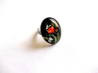 Inel flori albe si rosii pe fundal negru, inel sticla 39181