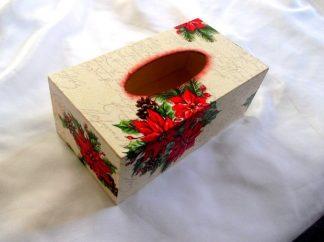 Cutie servetele flori rosii si ramura brad, cutie servetele hartie 39910