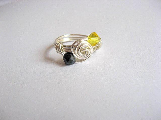 Inel culori galben cu negru cristal Swarovski 24580 vedere de sus in jos